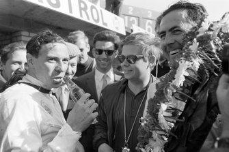 Race winner Jack Brabham, Brabham with Jim Clark, Lotus