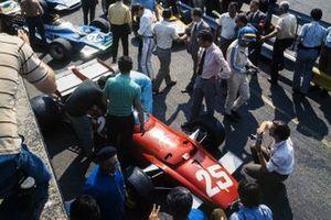 Jacky Ickx, Ferrari 312B, Ronnie Peterson, March