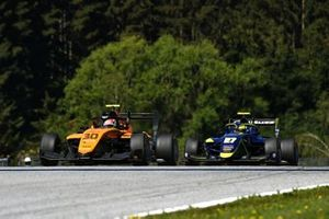 Alessio Deledda, Campos Racing, leads Enaam Ahmed, Carlin