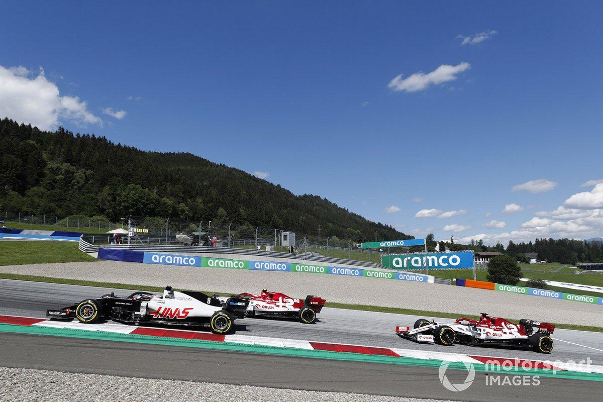 Romain Grosjean, Haas VF-20, Antonio Giovinazzi, Alfa Romeo Racing C39, Kimi Raikkonen, Alfa Romeo Racing C39