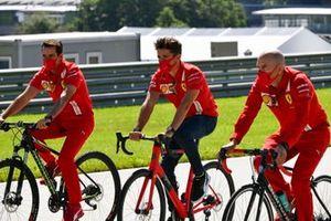 Charles Leclerc, Ferrari en una bici