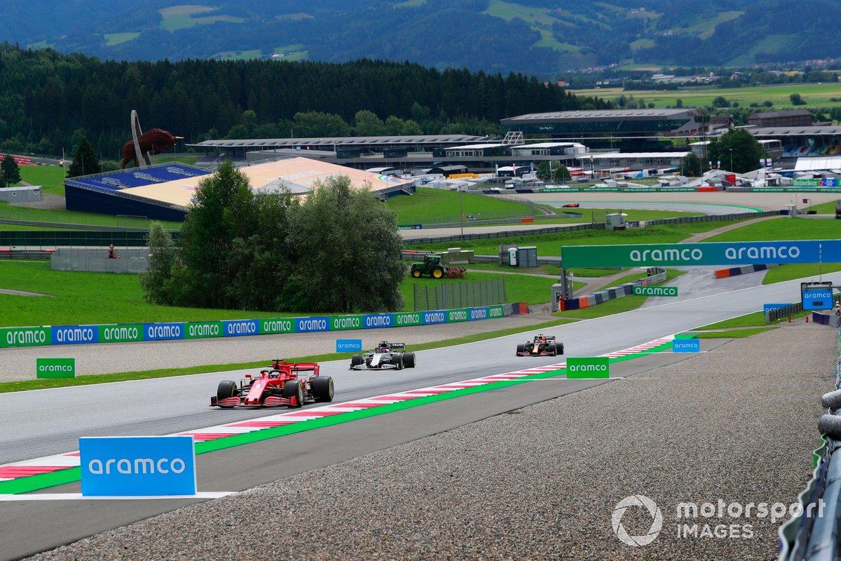 Sebastian Vettel, Ferrari SF1000, Daniil Kvyat, AlphaTauri AT01, Alex Albon, Red Bull Racing RB16