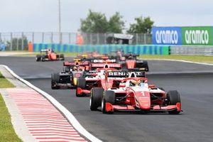 Оскар Пиастри, Prema Racing, и Логан Сарджент, Prema Racing