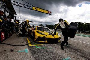 #3 Corvette Racing Corvette C8.R, GTLM: Antonio Garcia, Jordan Taylor, pit stop