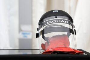 Une visière de protection du team Panasonic Jaguar Racing