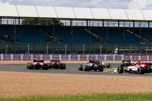 Даниил Квят, AlphaTauri AT01 и Кими Райккконен, Alfa Romeo Racing C39
