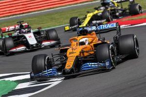 Lando Norris, McLaren MCL35, Romain Grosjean, Haas VF-20, and Daniel Ricciardo, Renault F1 Team R.S.20