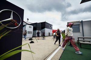 Льюис Хэмилтон, Mercedes-AMG Petronas F1 и его физиотерапевт Анджела Каллен