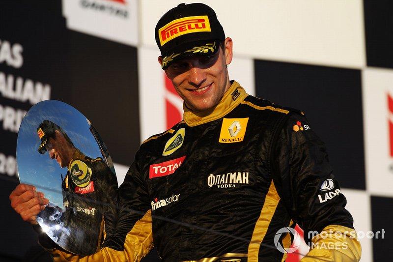 Podium : le troisième Vitaly Petrov, Lotus Renault GP