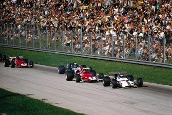 Jackie Oliver, BRM P153 devant Clay Regazzoni, Ferrari 312B, Jackie Stewart, March 701 Ford et Jacky Ickx, Ferrari 312B