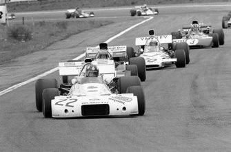 Wilson Fittipaldi, Brabham BT33, Mike Hailwood, Surtees TS9B, Peter Revson y Francois Cevert, Tyrrell 002