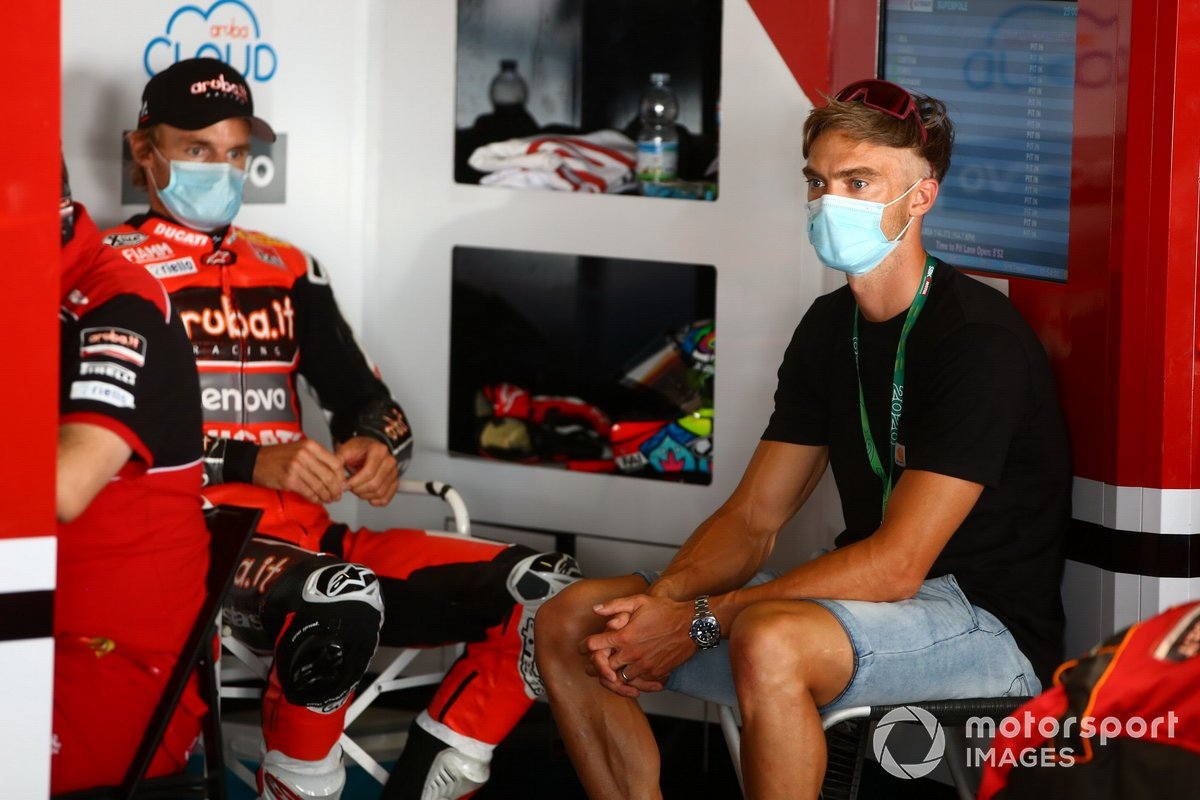 Leon Camier, Barni Racing Team, Chaz Davies, Aruba.it Racing Ducati