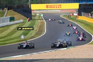 Nikita Mazepin, Hitech Grand Prix, leads Luca Ghiotto, Hitech Grand Prix, Louis Deletraz, Charouz Racing System, Robert Shwartzman, Prema Racing, and the remainder of the field