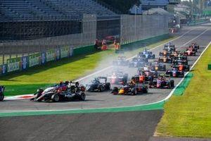 Michael Belov, Charouz Racing System, Enzo Fittipaldi, HWA Racelab, Jake Hughes, HWA Racelab en Liam Lawson, Hitech Grand Prix