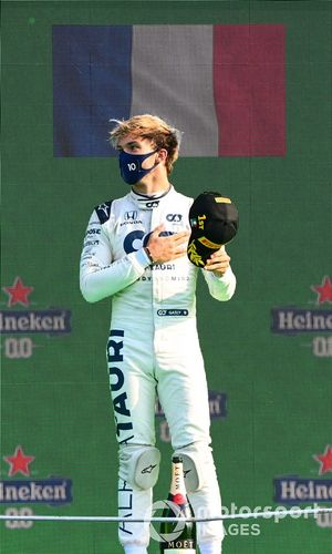 Pierre Gasly, AlphaTauri, 1st position, on the podium
