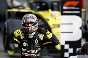 Daniel Ricciardo, Renault F1 Team R.S.20 celebrates in Parc Ferme
