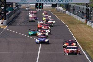 Start Action GT300, #31 TOYOTA GR SPORT PRIUS PHV apr GT, #55 ARTA NSX GT3, #56 リアライズ 日産自動車大学校 GT-R