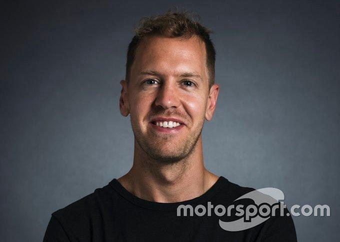 Racing Point / insignia de Aston Martin Sebastian Vettel para 2021