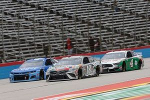 Kyle Busch, Joe Gibbs Racing, Toyota Camry Skittles Zombie Kevin Harvick, Stewart-Haas Racing, Ford Mustang Hunt Brothers Pizza
