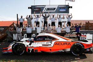 #7 Acura Team Penske Acura DPi, DPi: Helio Castroneves, Ricky Taylor, team, podium