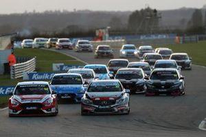 Ollie Jackson, Motorbase Performance Ford Focus start