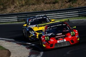 #30 Frikadelli Racing Team Porsche 911 GT3 R: Klaus Abbelen, Lance David Arnold, Alex Müller