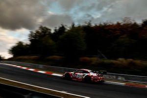 #31 Frikadelli Racing Team Porsche 911 GT3 R: Maxime Martin, Lars Kern, Lance David Arnold, Mathieu Jaminet