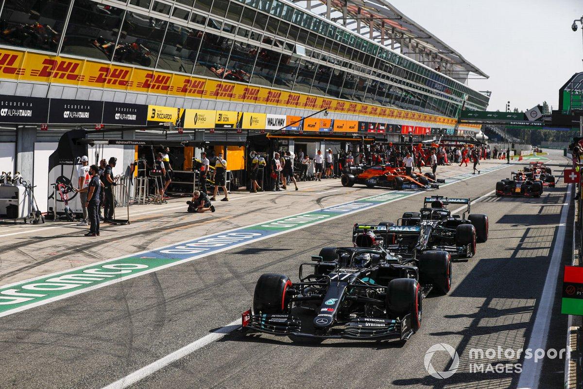 Valtteri Bottas, Mercedes F1 W11, Lewis Hamilton, Mercedes F1 W11