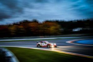 #22 Frikadelli Racing Team Porsche 911 GT3-R: Йорг Бергмайстер, Фредерик Маковецки, Деннис Олсен
