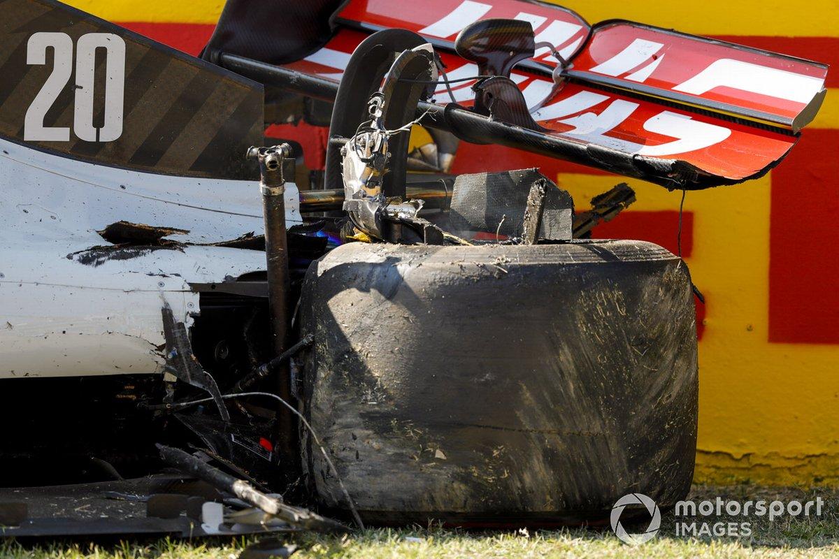Auto danneggiata Kevin Magnussen, Haas VF-20