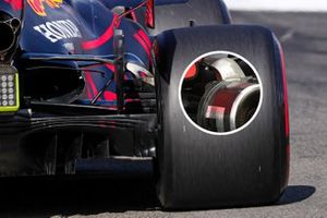 Red Bull Racing RB16 rear detail comparison