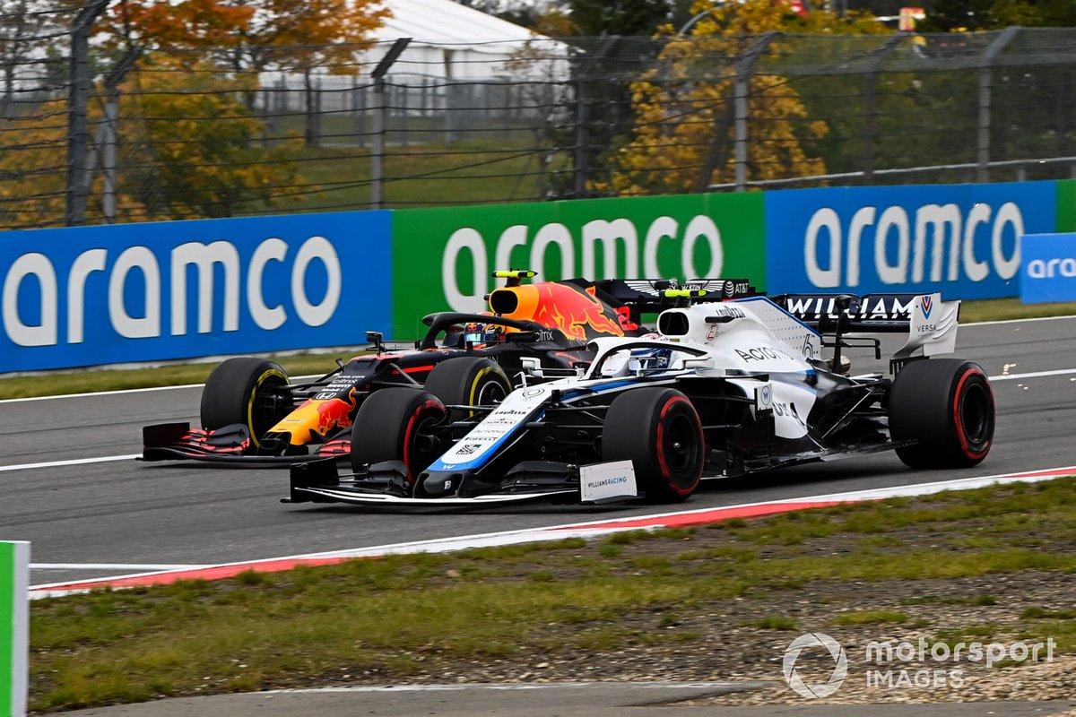 Nicholas Latifi, Williams FW43, in battaglia con Alex Albon, Red Bull Racing RB16