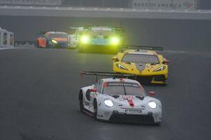 #912 Porsche GT Team Porsche 911 RSR - 19, GTLM: Laurens Vanthoor, Earl Bamber, #3 Corvette Racing Corvette C8.R, GTLM: Antonio Garcia, Jordan Taylor