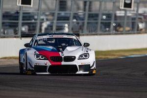 #35 Walkenhorst Motorsport BMW M6 GT3: Martin Tomczyk, Nick Yelloly, David Pittard