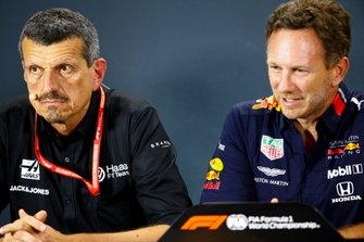 Guenther Steiner, Team Principal, Haas F1, and Christian Horner, Team Principal, Red Bull Racing, in the Press Conference