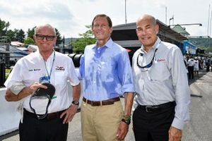 Skip Barber, Senador Richard Blumenthal, Scott Atherton.