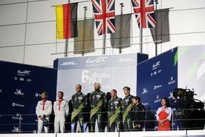 Подиум в LMGTE Pro: победители Марко Сёренсен и Ники Тим, Aston Martin Racing; второе место – Микаэль Кристенсен и Кевин Эстре, Porsche GT Team; третье место – Александр Линн и Максим Мартен, Aston Martin Racing