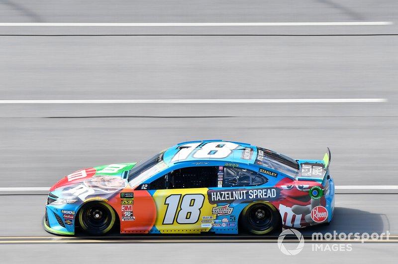 Kyle Busch, No. 18 Joe Gibbs Racing Toyota +41pts