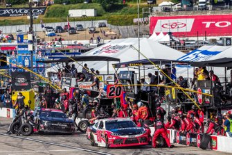 Christopher Bell, Joe Gibbs Racing, Toyota Supra Rheem-Watts pit stop