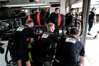 Haas F1 pitstop oefening