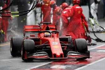 Sebastian Vettel, Ferrari SF90 pit stop