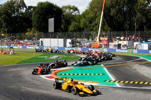 Jack Aitken, Campos Racing precede Jordan King, MP Motorsport e Giuliano Alesi, Trident all'inizio della gara