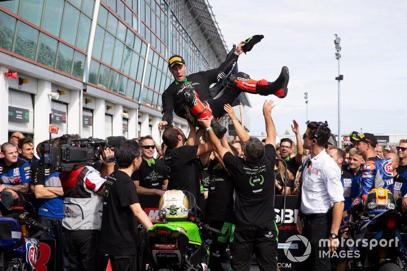Jonathan Rea, Kawasaki Racing Team celebra su quinto título mundial