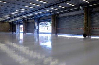 Vista del garage vuoto, GP del Belgio, Lunedì
