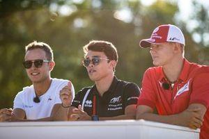 Nyck De Vries, ART Grand Prix Anthoine Hubert, Arden en Mick Schumacher, Prema Racing