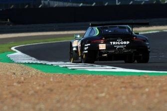 #88 Proton Competition Porsche 911 RSR: Thomas Preining, Gianluca Giraudi, Ricardo Sanchez