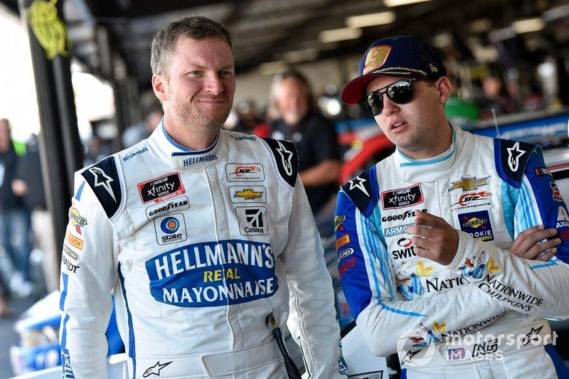 Dale Earnhardt Jr., JR Motorsports, Chevrolet Camaro Hellmann's and Noah Gragson, JR Motorsports, Chevrolet Camaro Adventure Force / Far Out Toys