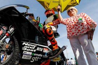 Andrea Migno, Bester Capital Dubai con su abuela