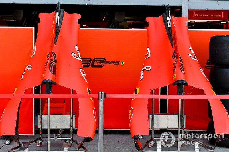 Capas traseiras da Ferrari