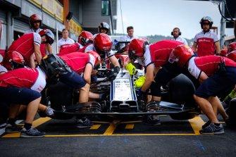 Alfa Romeo Racing pitstop practice